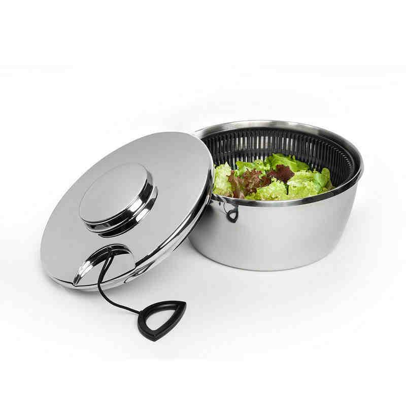 Comment essorer une salade sans essoreuse et sans torchon ?