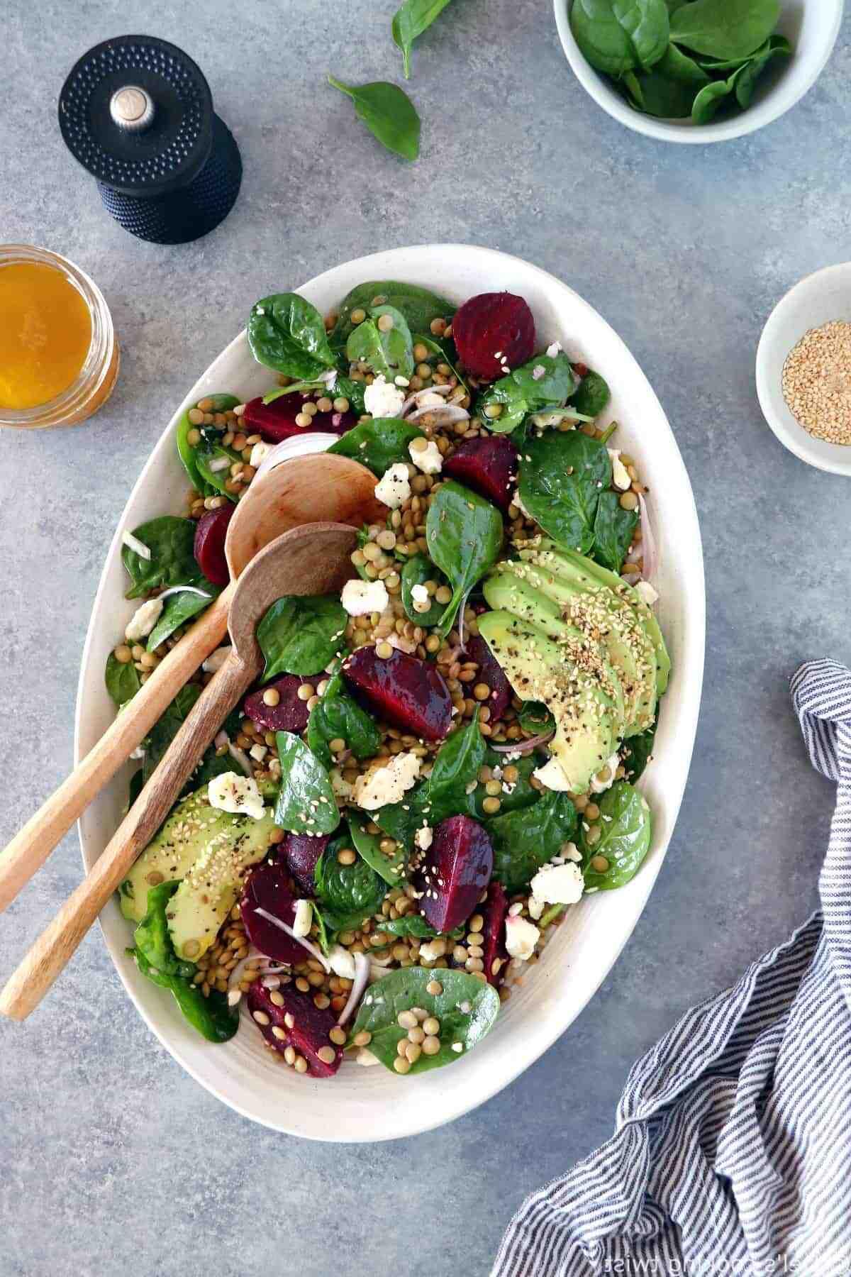 Pourquoi ne pas manger de la salade le soir ?